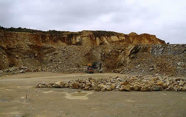 Kamieniołom złoża wapieni jurajskich Gnieździska-Góra Maćkowa